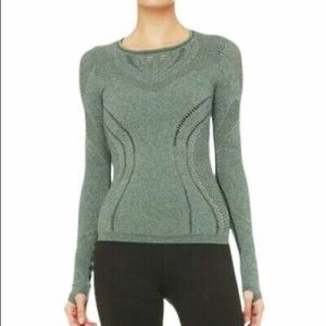 ALO YOGA Women's Lark Long Sleeve Stretch Green Size Small in GUC